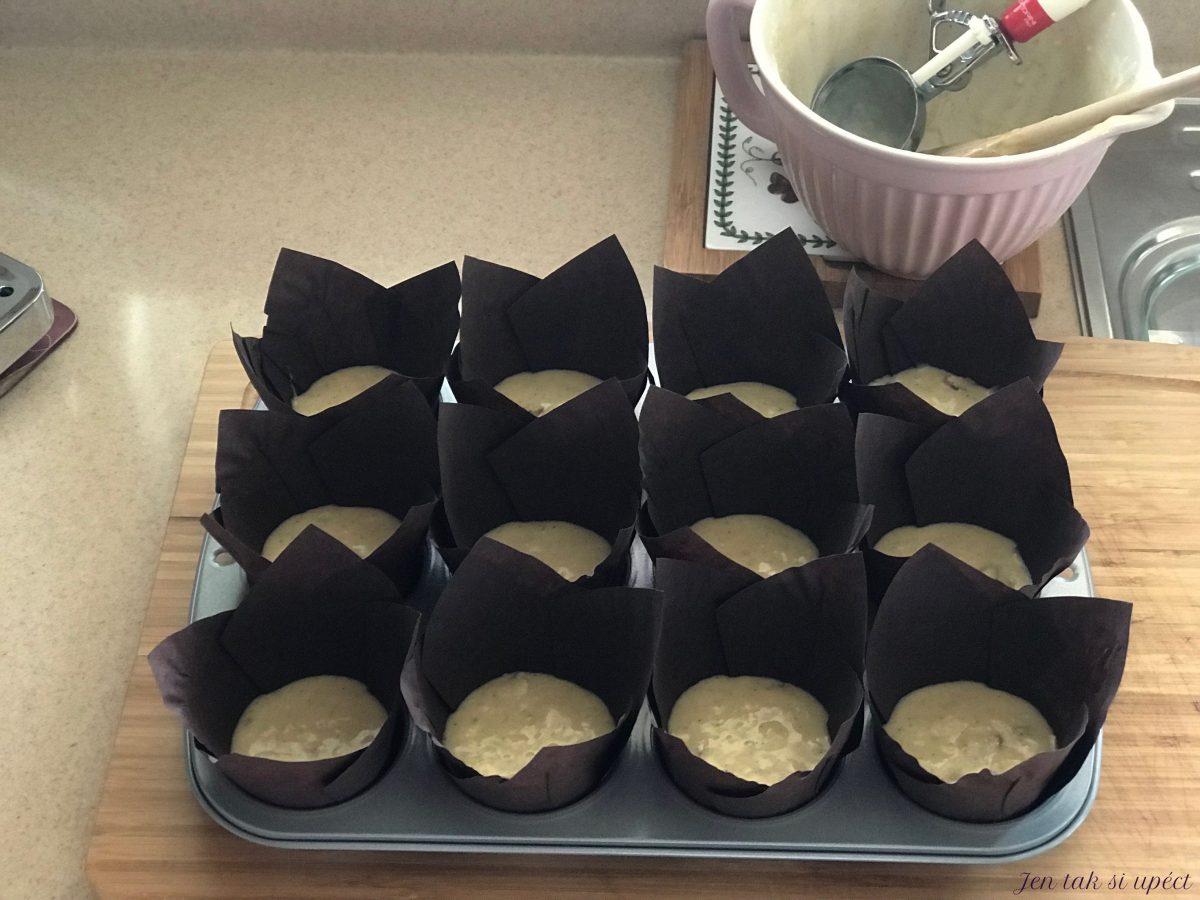 Hruškový muffin těsto v košíčku
