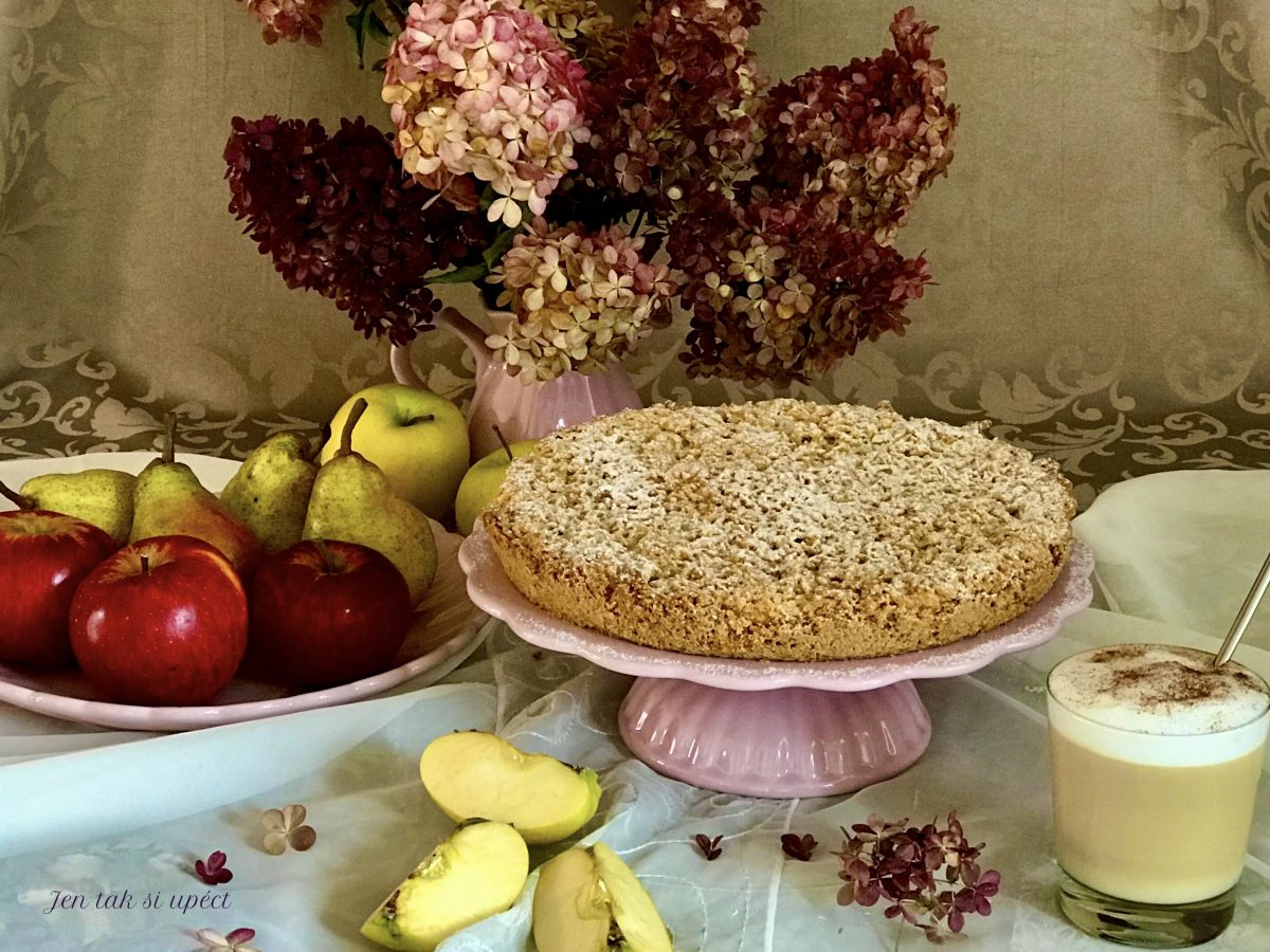 Křehký koláč s philadelphií a jablky pilot