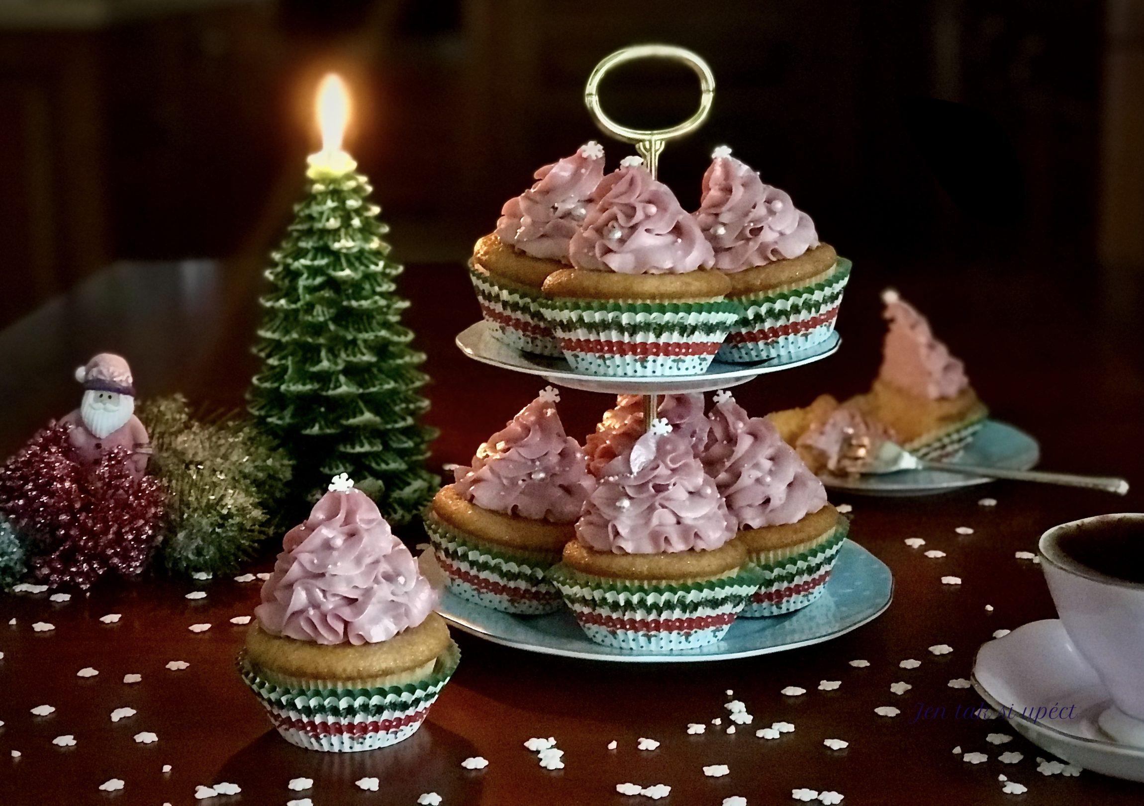 Vánoční cupcakes s malinovým krémem závěr 2