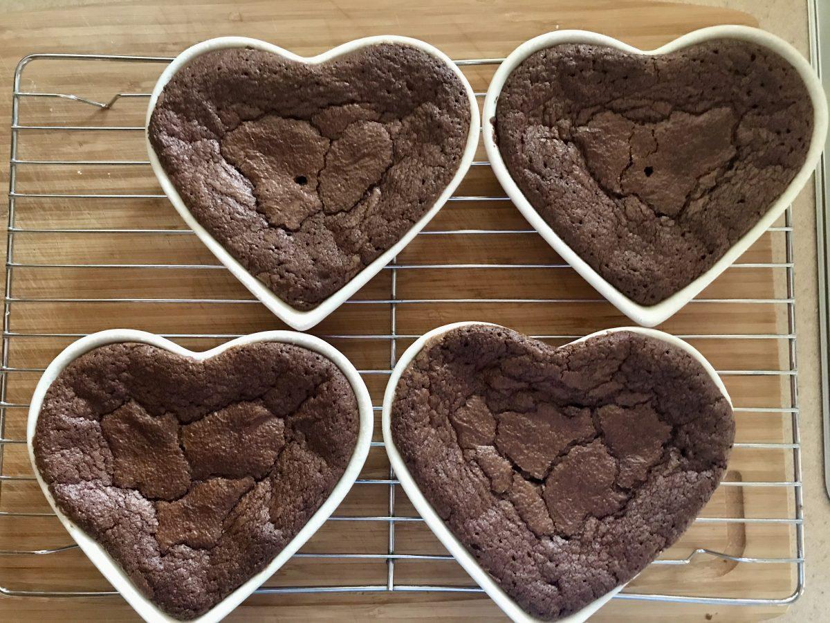 Brownies upečené těsto malá forma