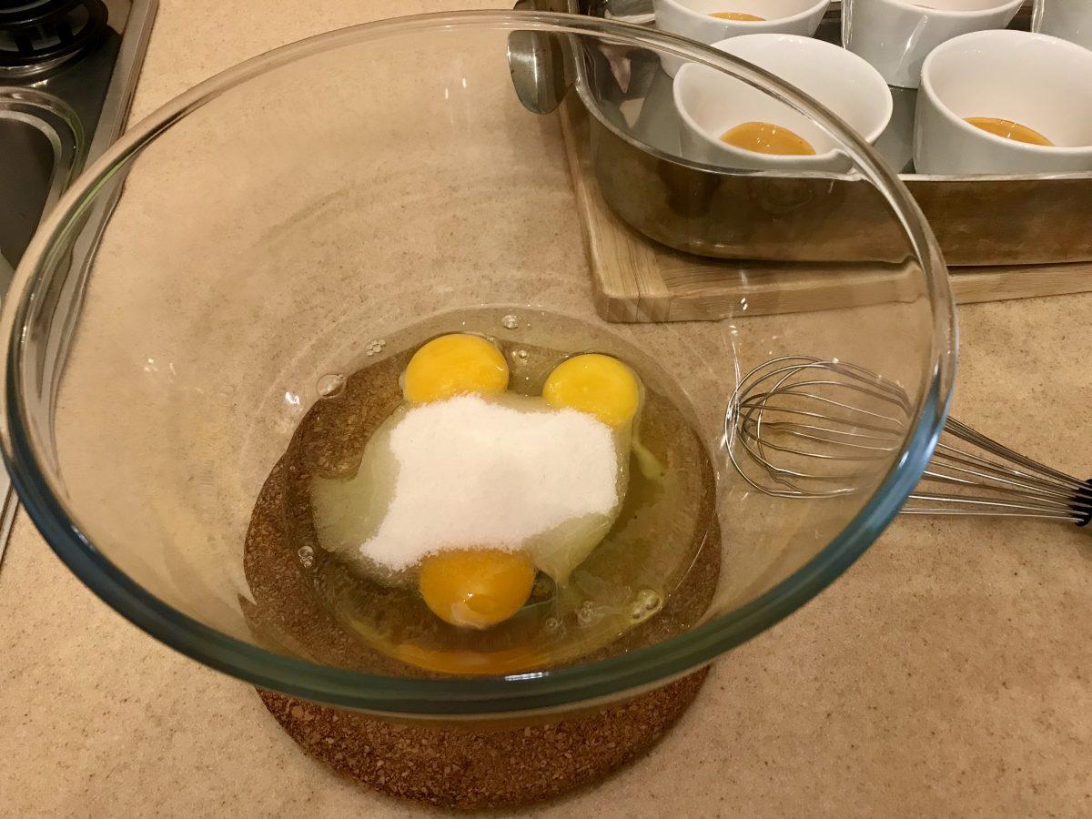 Créme caramel- vajíčka a cukr
