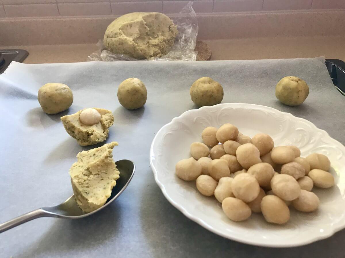 Pistáciové cookies tvarování sušenek