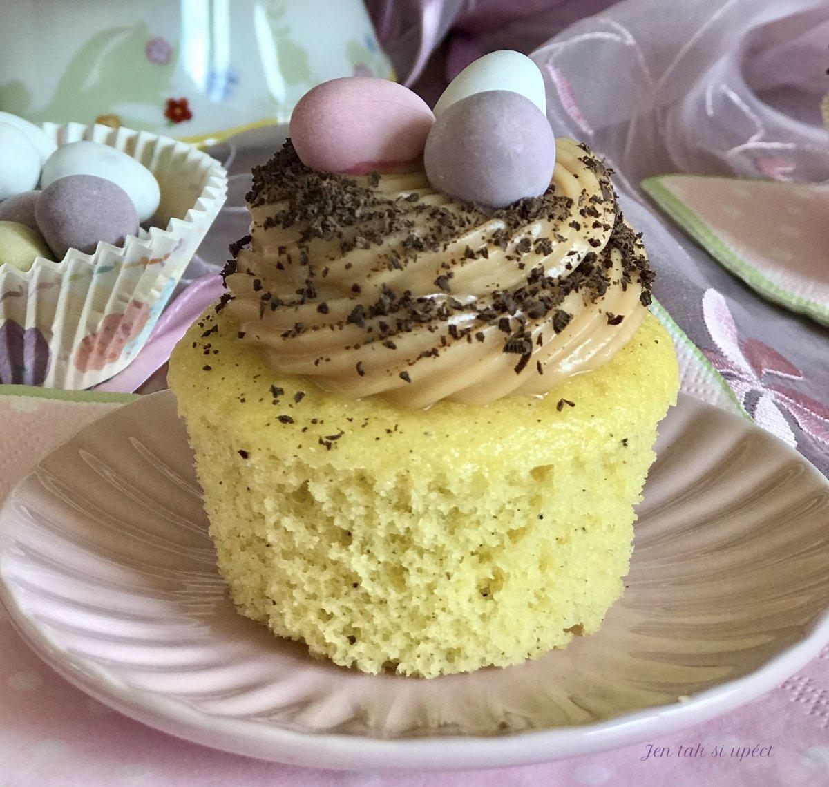 Cupcake s karamelovým krémem ze šlehačky pilot