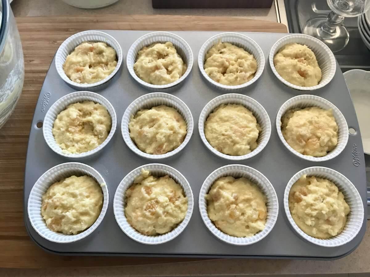 Muffiny s meruňkami před pečením