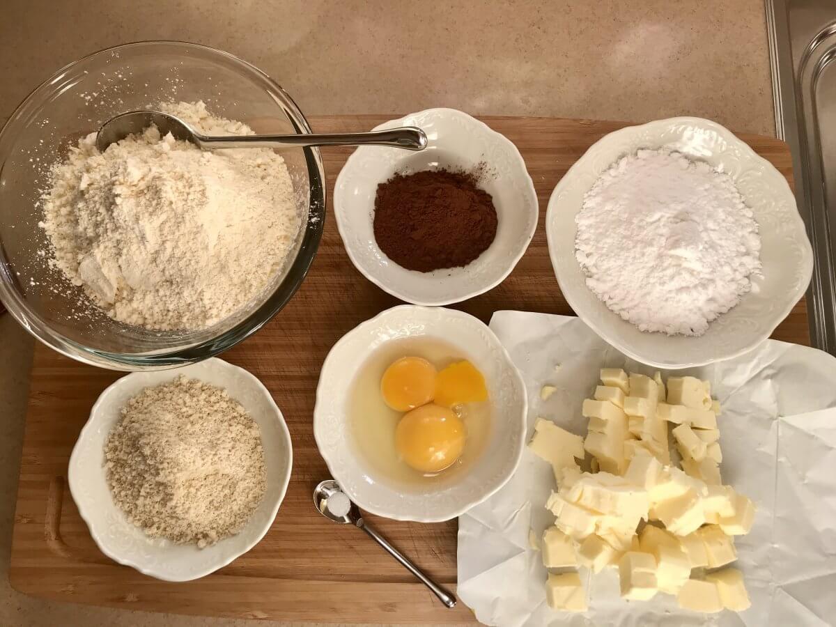 suroviny čokoládové křehké těsto