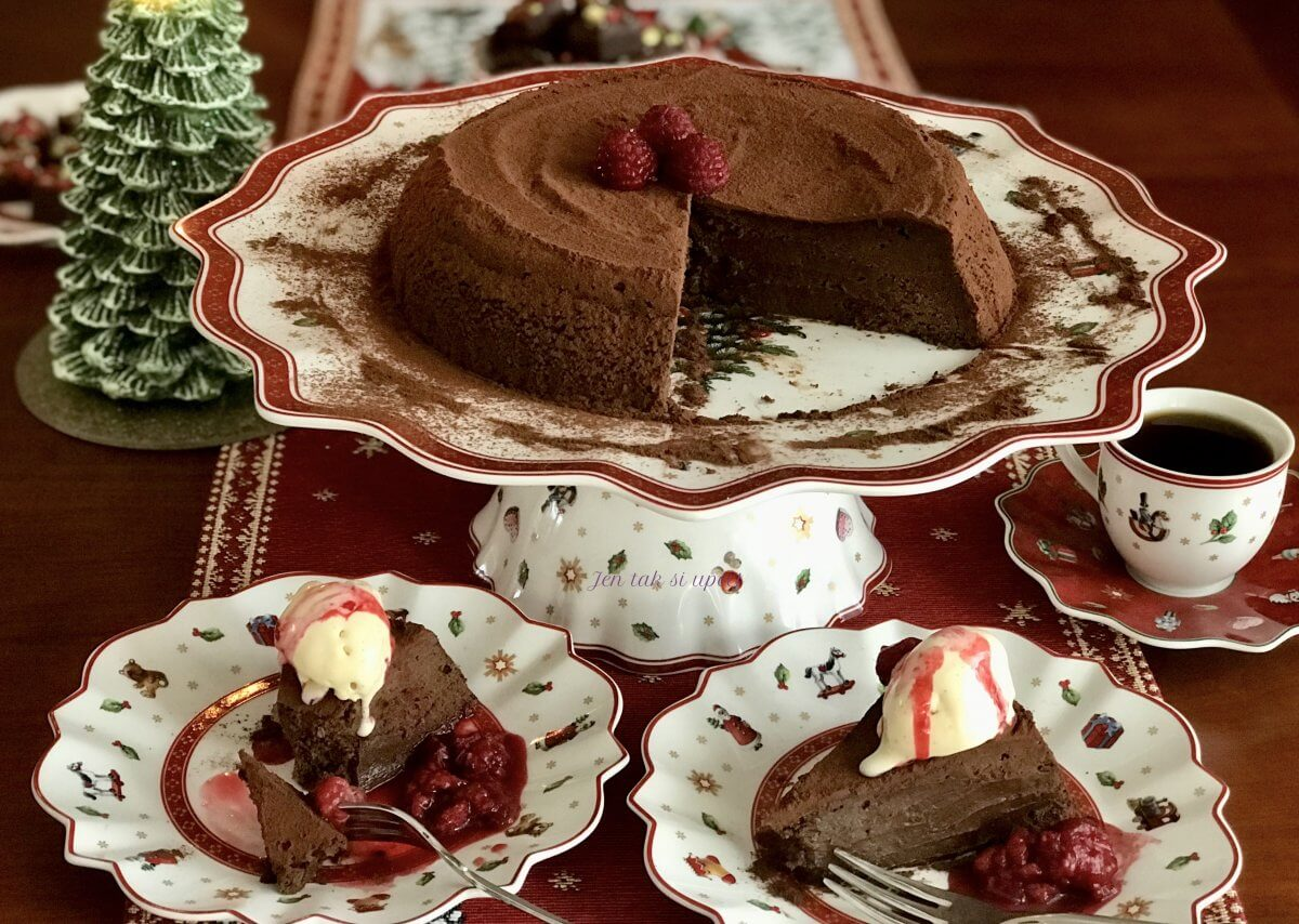 ledový čokoládový dort s vanilkovým semifreddem
