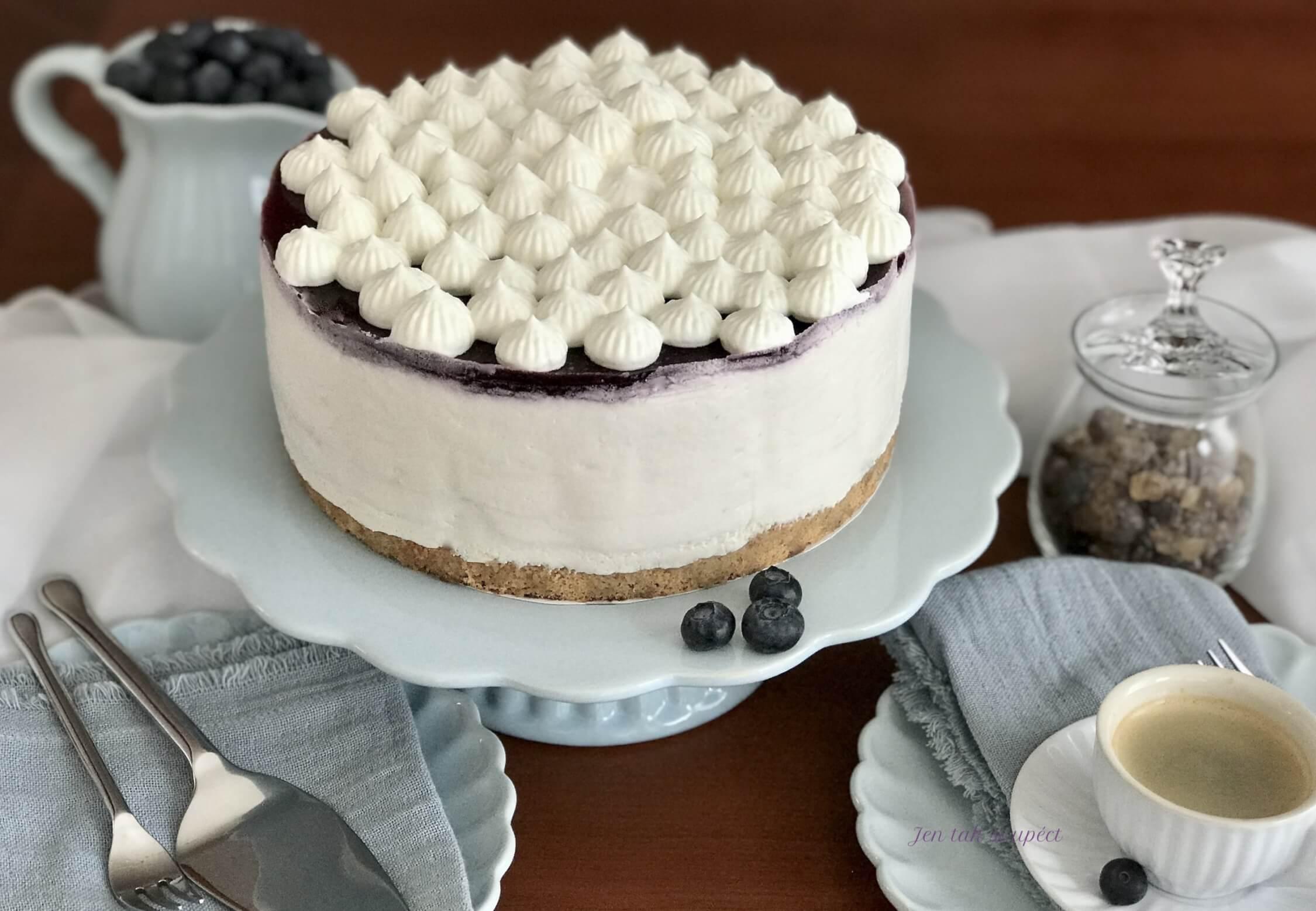 Vanilkový dort s borůvkama hlavní